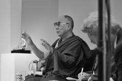 schirdewahn_2355_dalai_lama_sw_kl