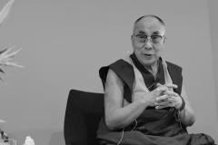 schirdewahn_2498_dalai_lama_sw_kl