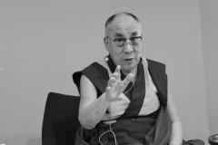 schirdewahn_2512_dalai_lama_sw_kl